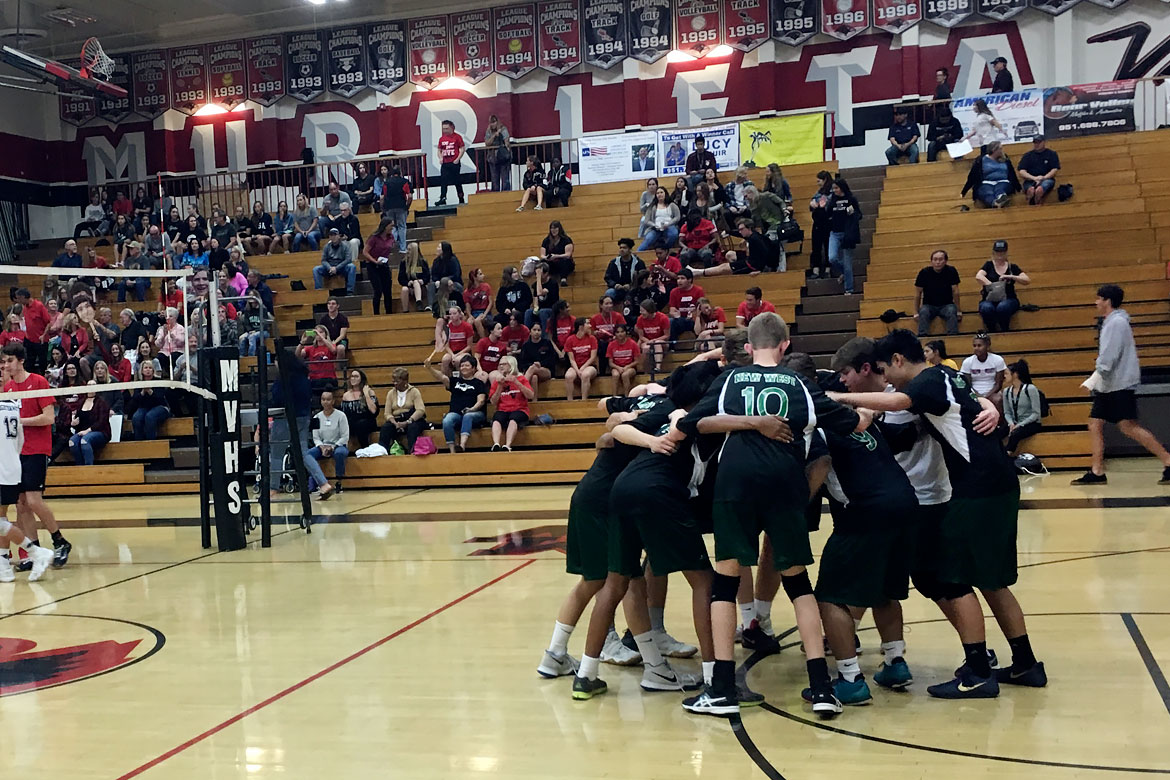 2018-04-boys-volleyball-huddle