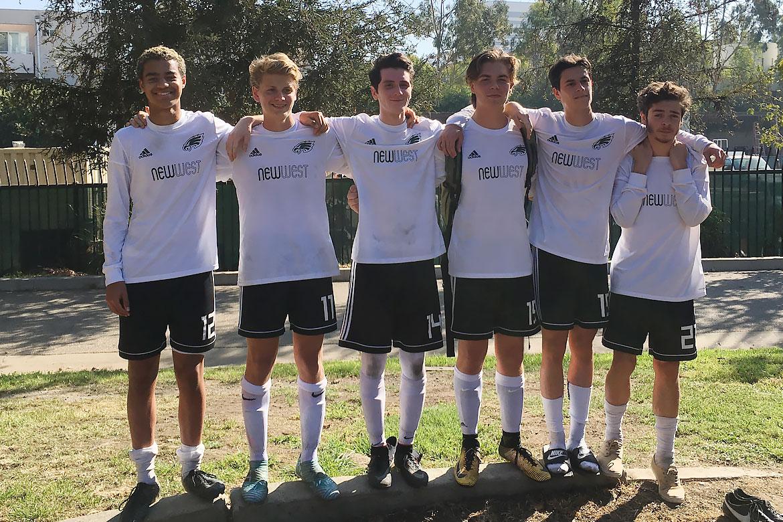 2018-11-boys-soccer-6-dudes